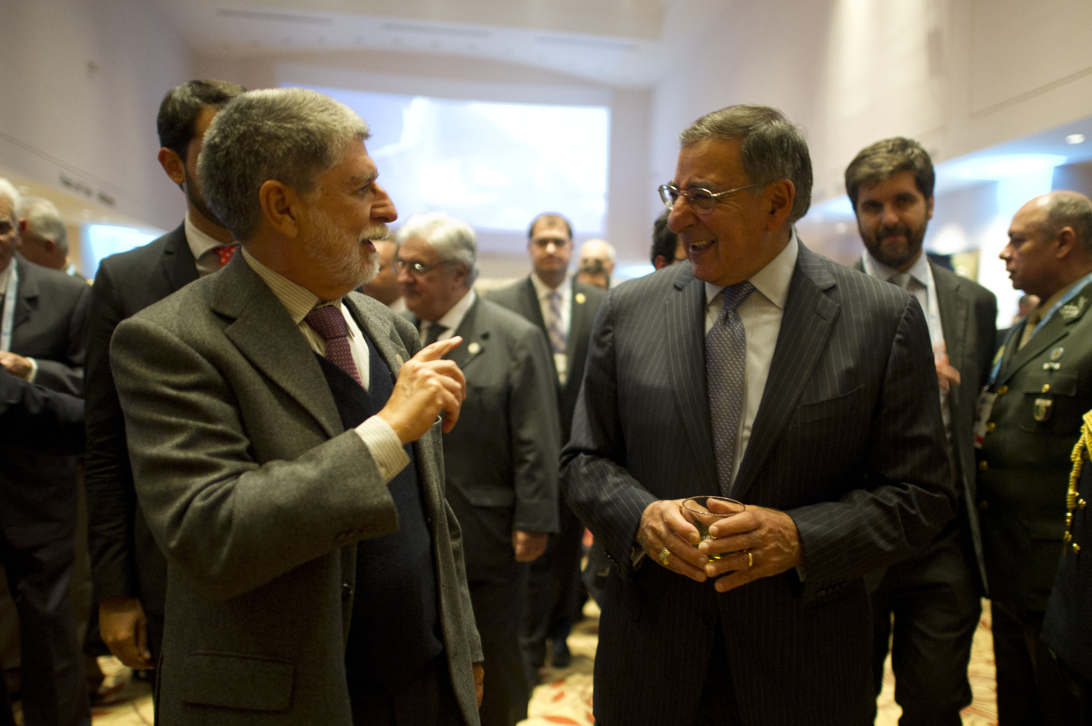 IAT-Panetta-with-BrazilianDefMin