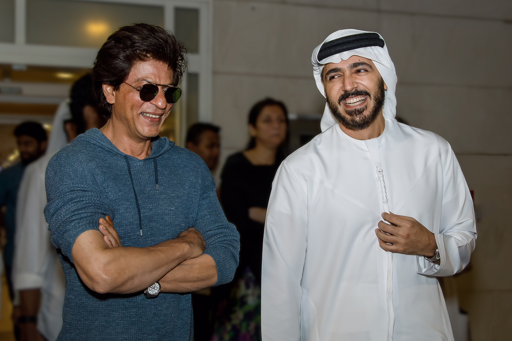 Shah Rukh Khan with Dubai Tourism CEO Issam Kazim2