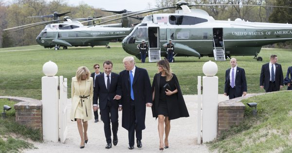 Macron Trump with wives