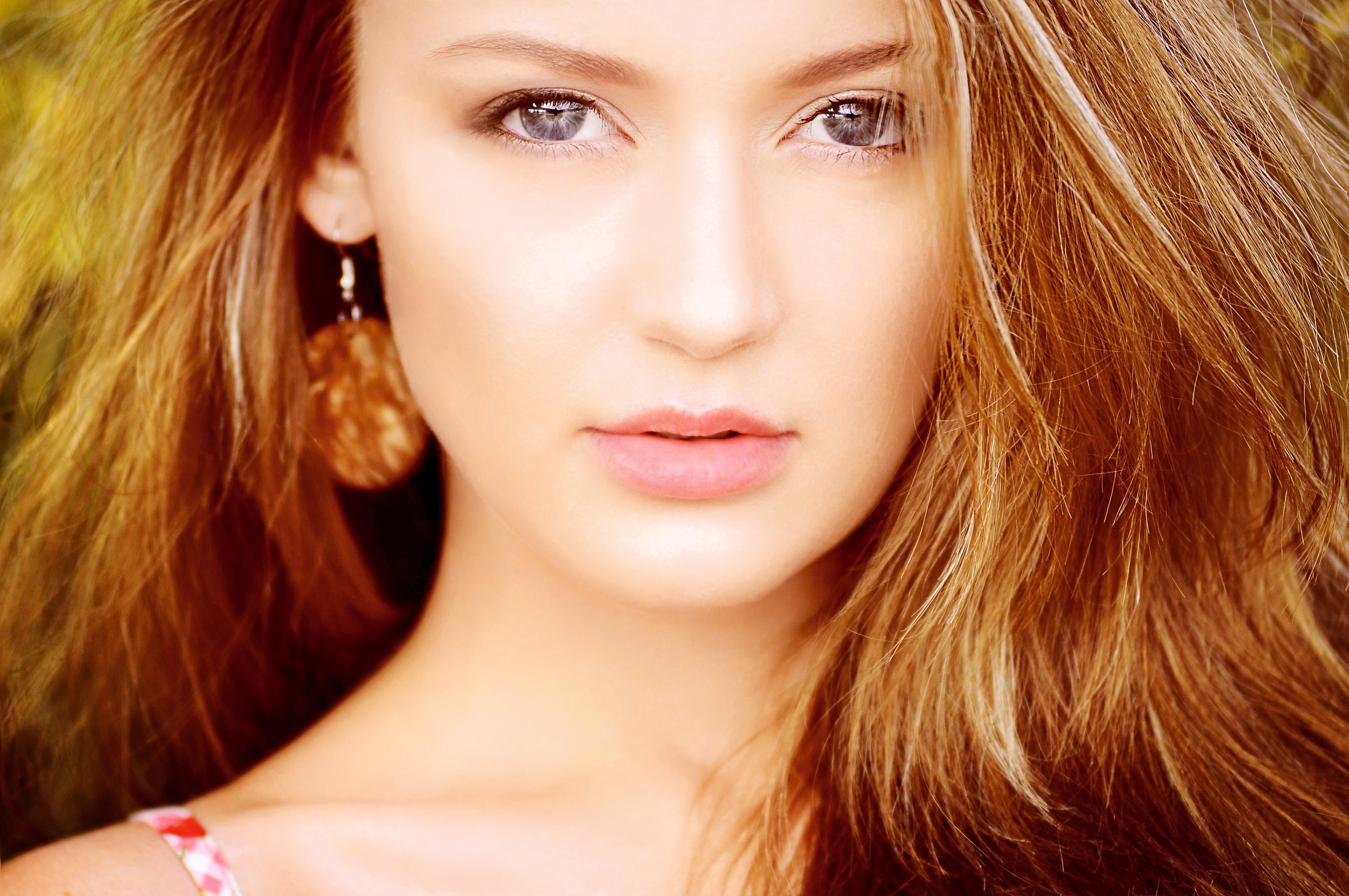 BEAUTIFUL BLONDE HAIR girl for web