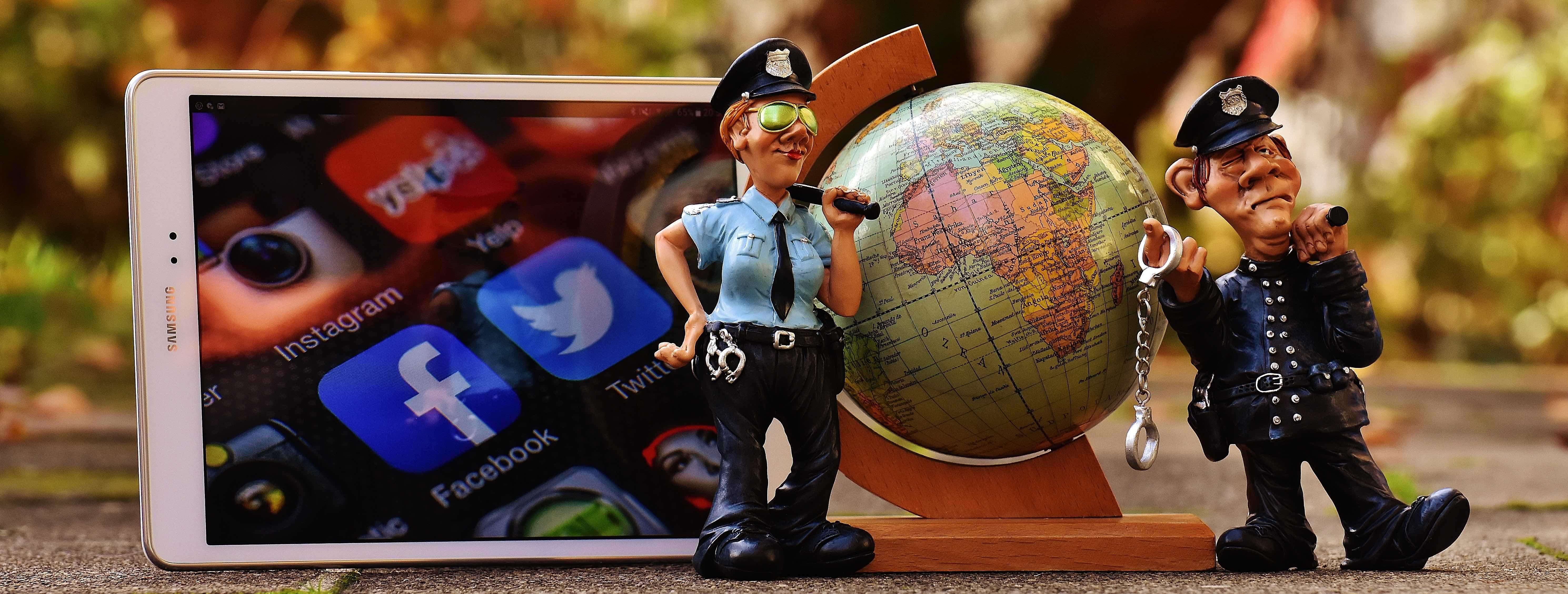 Social media 4 web